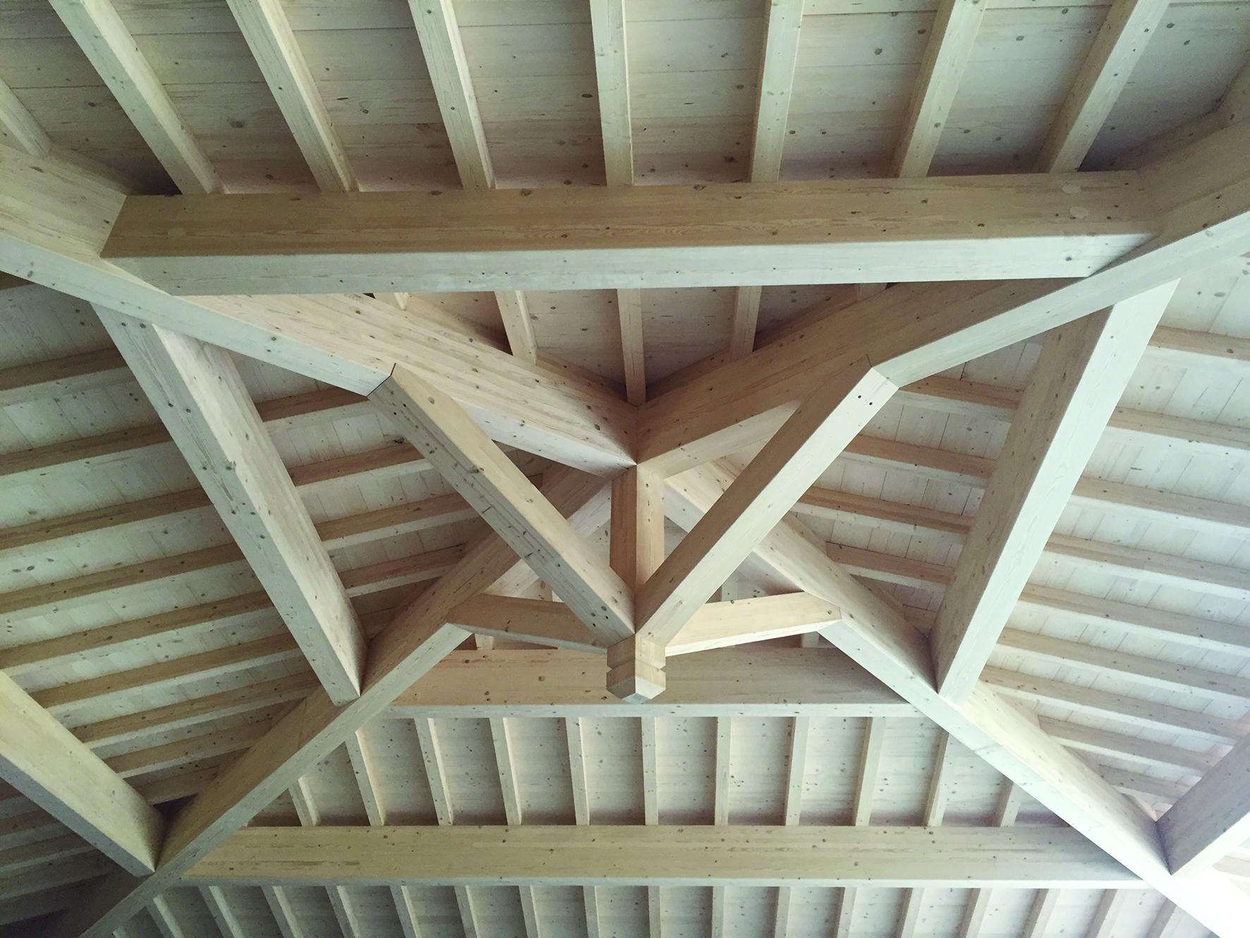 Tecnowood Brescia, tetto in legno lamellare