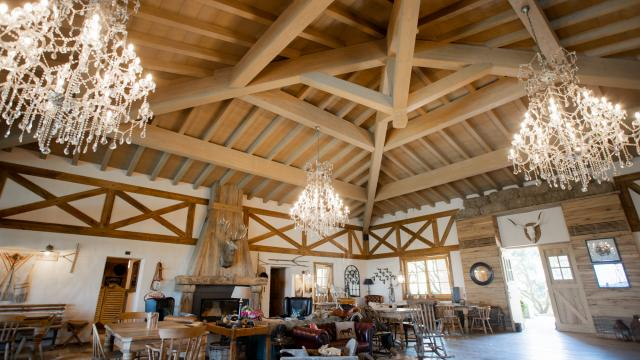Tecnowood a Brescia, copertura in legno lamellare spazzolato
